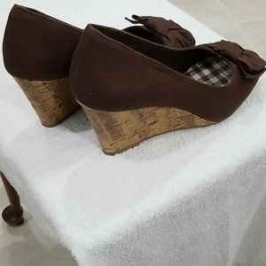 American Eagle Outfitters Shoes - American Eagle (AE) Brown Decorative Peep Toe 8